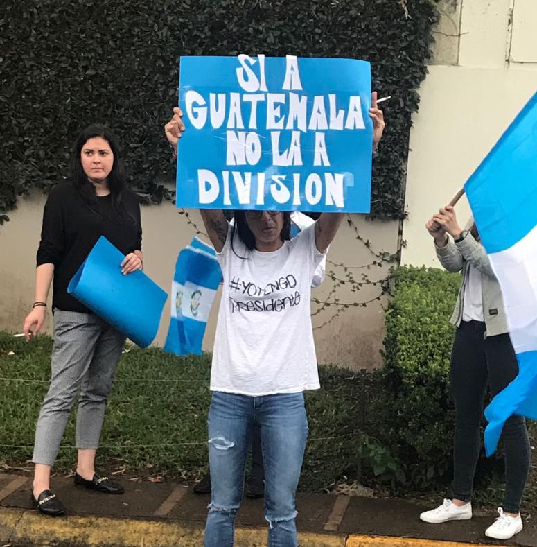 Titulares del Mineduc y Mineco muestran apoyo a presidente Jimmy Morales