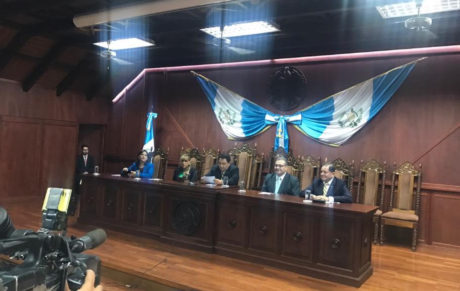 Presidente Jimmy Morales incurrió en ilegalidades, señala la CC