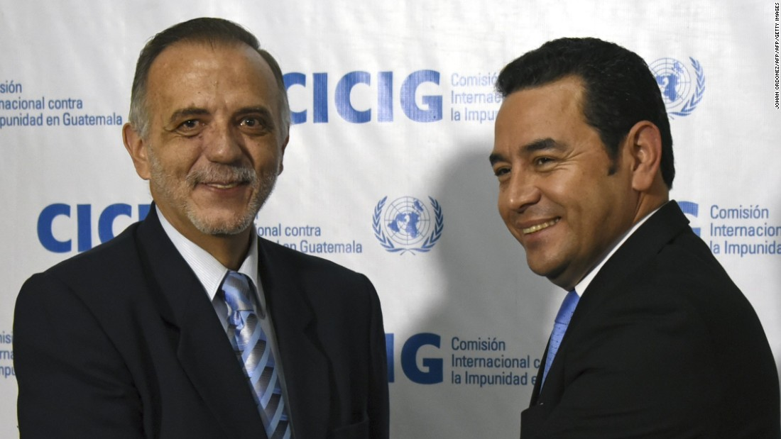 Presidente Morales acusa a comisionado Velásquez de inmiscuirse en asuntos internos