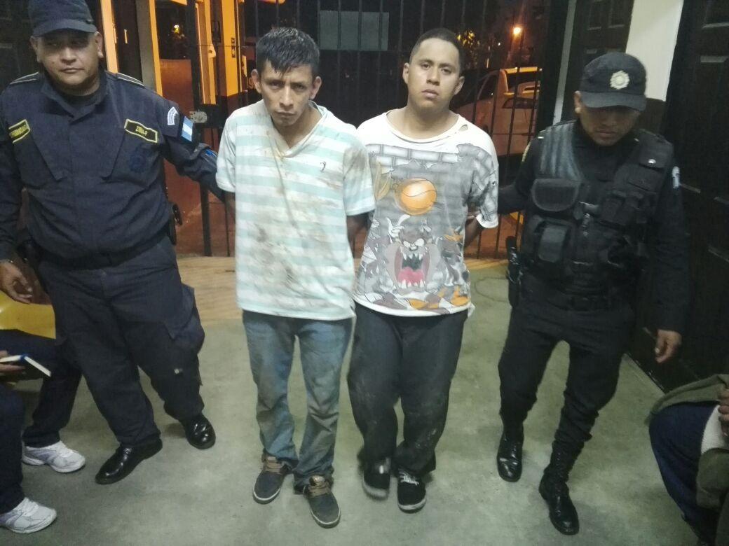 Capturan a dos pandilleros acusados de asesinato en colonia El Milagro, Mixco