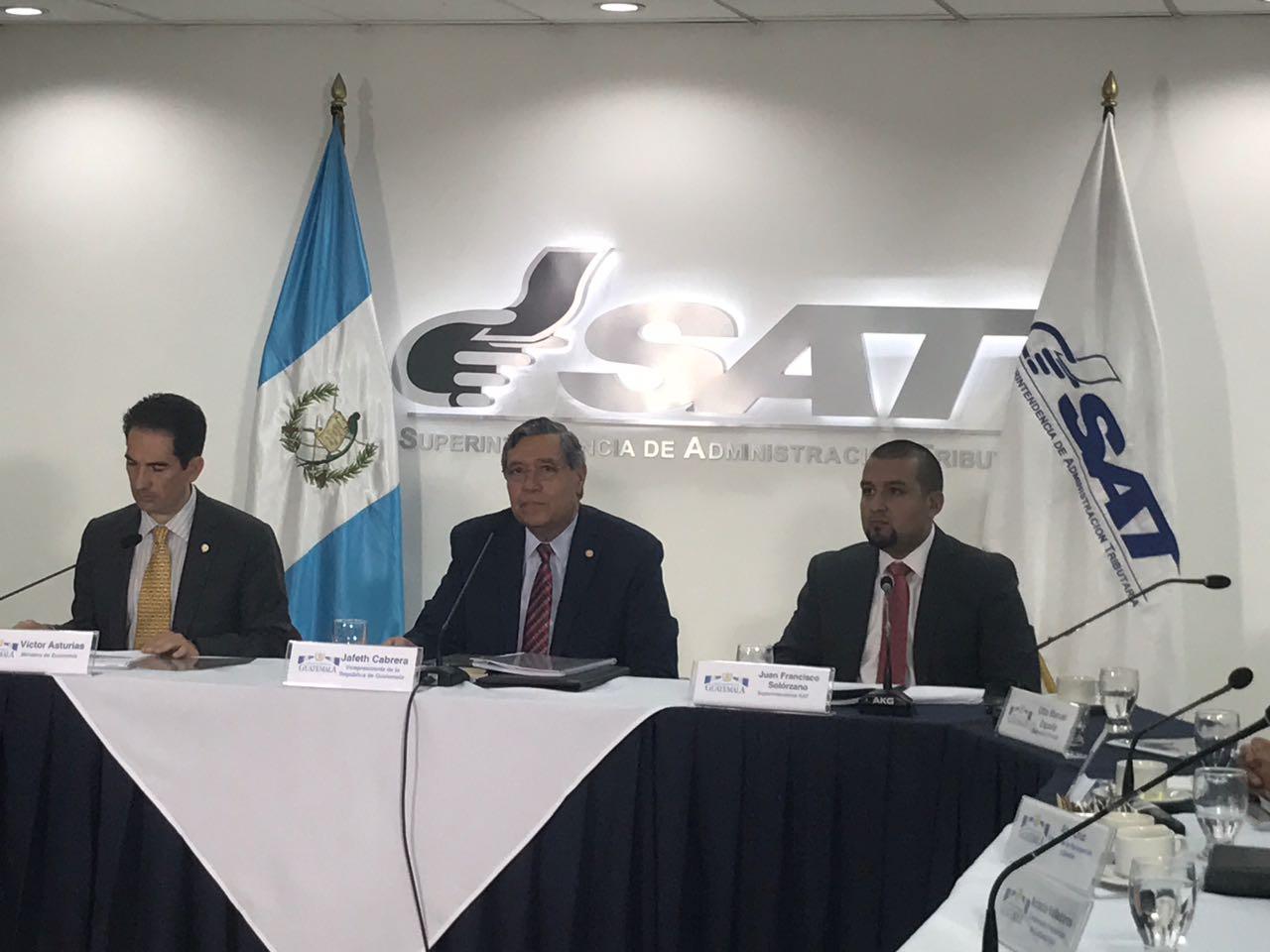 SAT presenta propuesta para combatir la defraudación y el contrabando