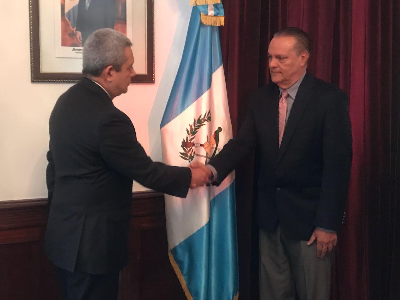 Carlos Soto pasa de director del Roosevelt a ministro de Salud