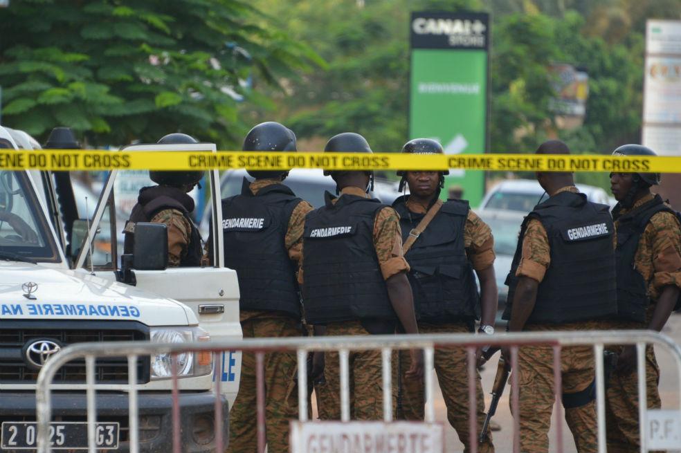 """Ataque """"terrorista"""" contra restaurante en Burkina Faso deja 18 muertos"""