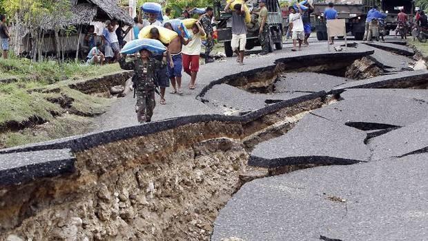 Aumentan a 20 los muertos tras el terremoto en China