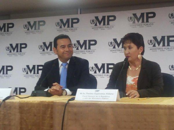 Jimmy Morales y su esposa cancelan reunión con jefa del MP