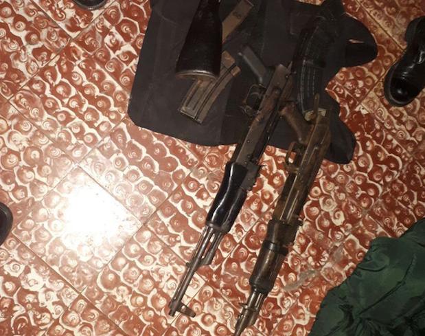 fusiles y granada incautada