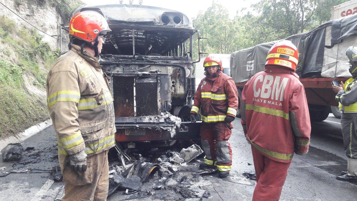 Bus se incendia en ruta al Pacífico; no hay víctimas