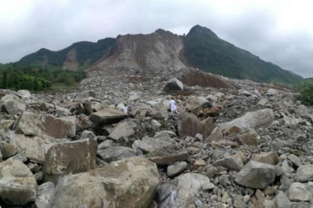 Dos muertos y 25 desaparecidos por un deslave en China