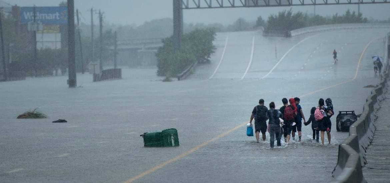 EEUU: se esperan unos 30.000 refugiados tras huracán Harvey