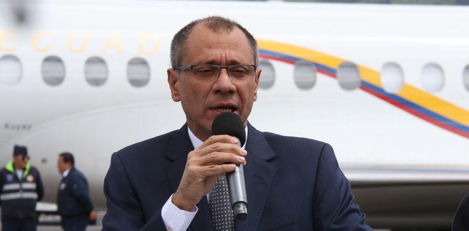 Fiscal pide prohibir salida de Ecuador de vicepresidente por caso Odebrecht