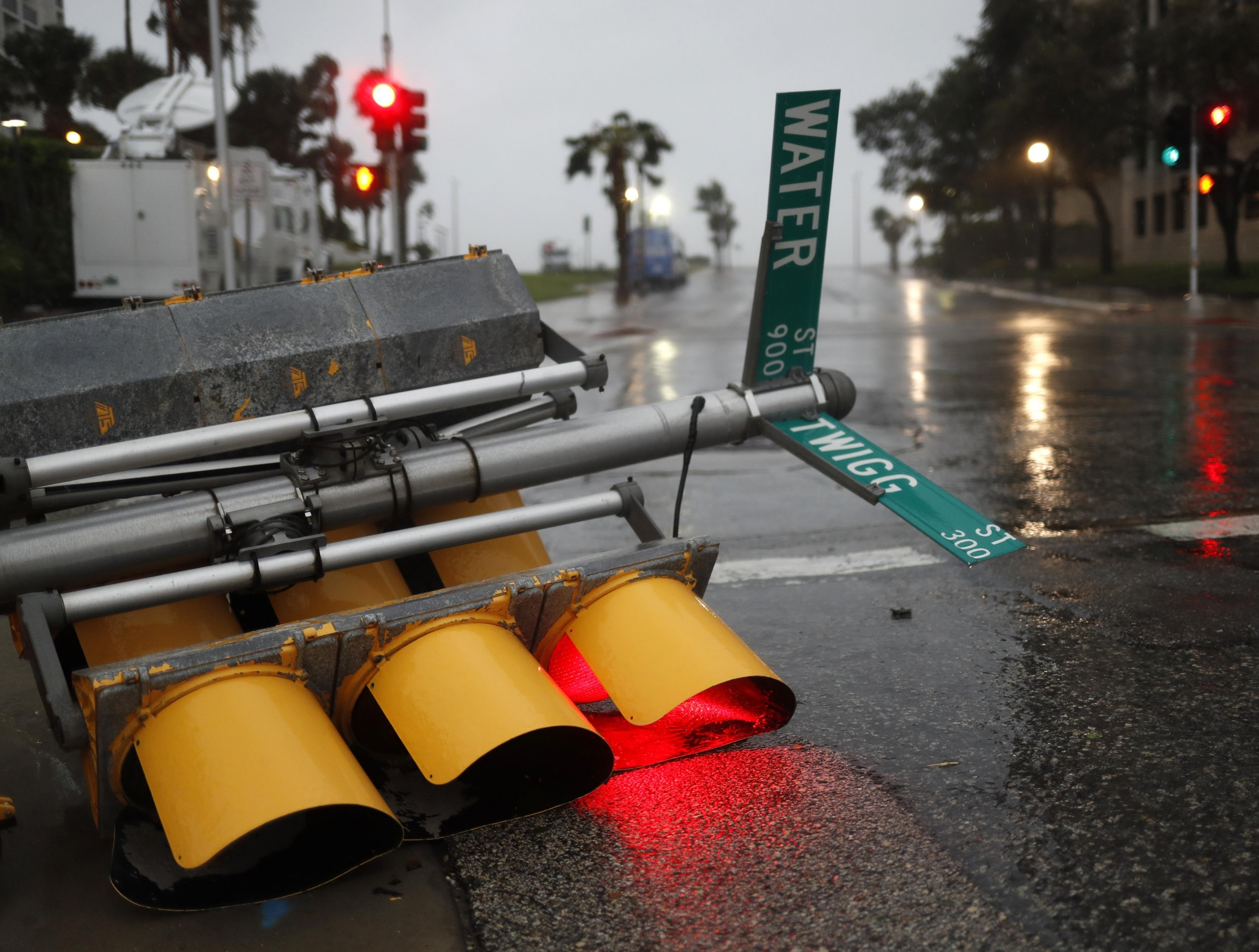 Harvey amenaza con sembrar caos en Luisiana tras devastar Texas