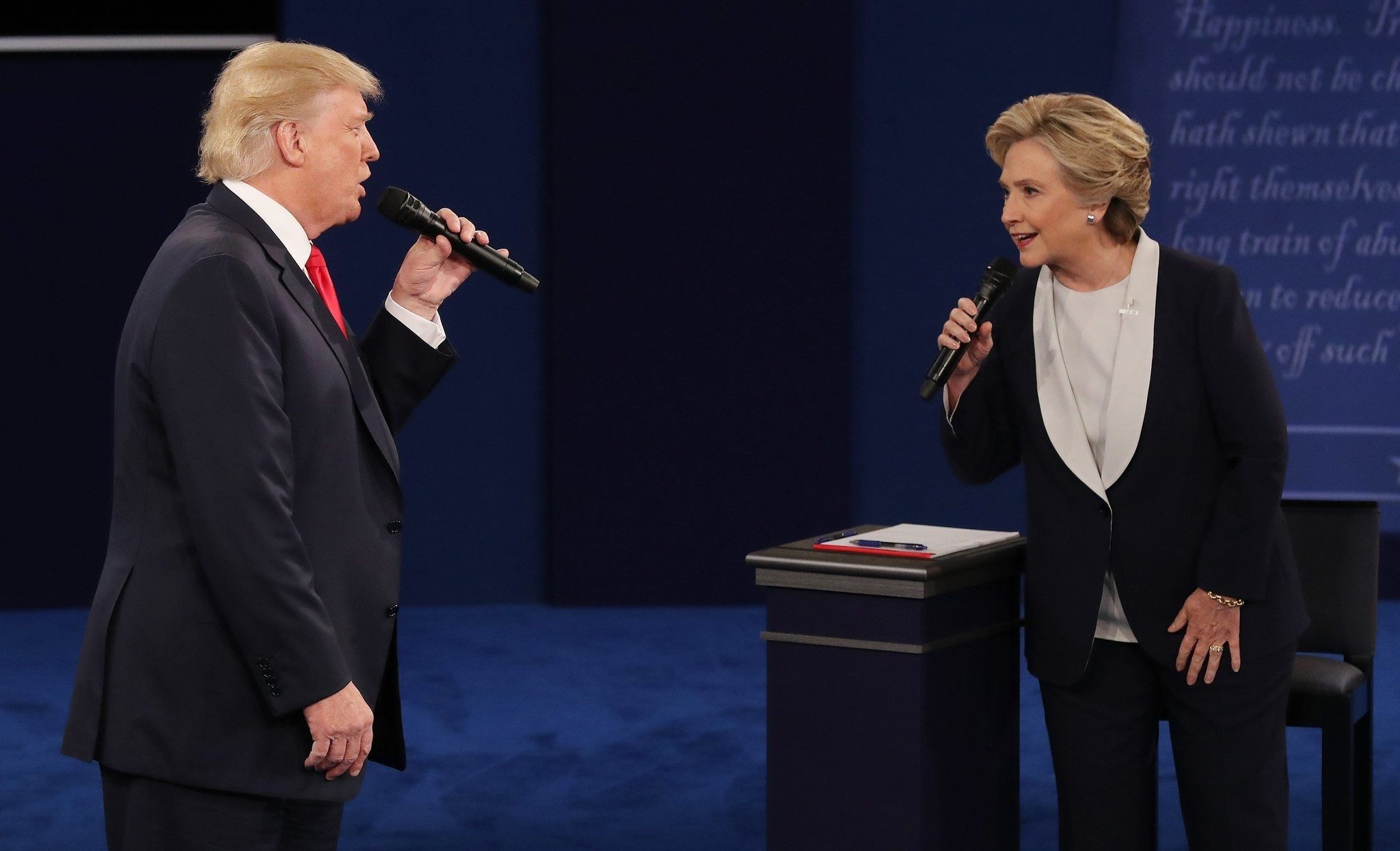 "Hillary Clinton califica a Donald Trump de ""tipo sucio"""