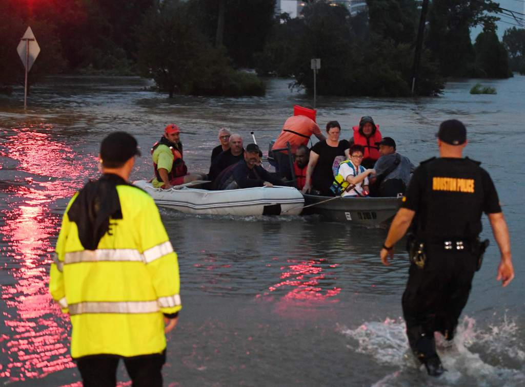 """""""Incertidumbre"""" en pronóstico de huracán Harvey: servicio meteorológico"""