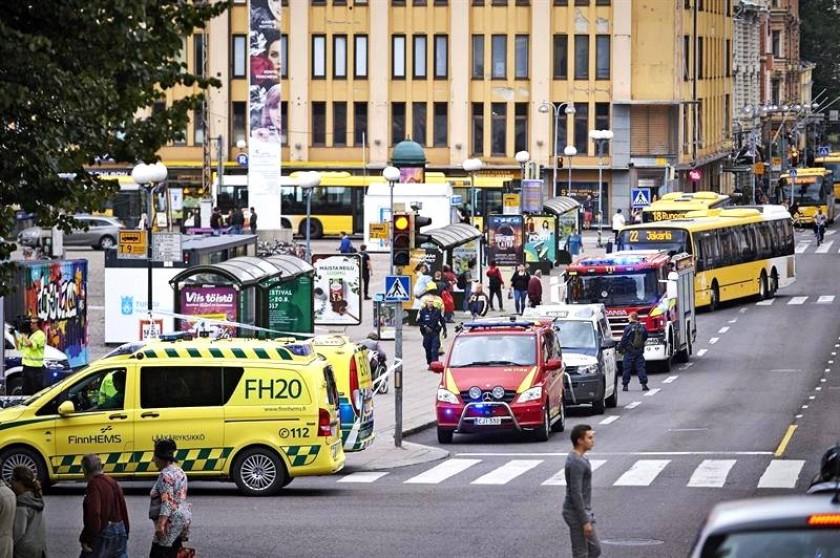 Policía detiene a otros dos sospechosos por ataque con cuchillo en Finlandia