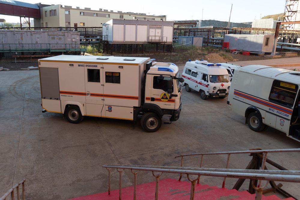 Sube el agua en la mina de Rusia donde ocho mineros permanecen atrapados