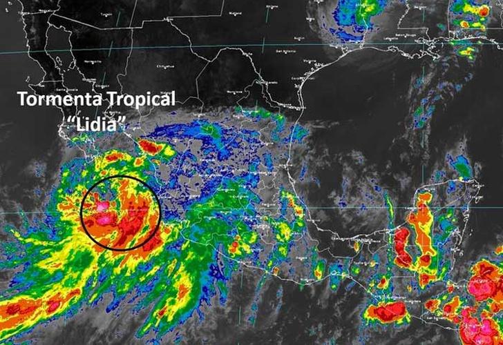 Tormenta tropical Lidia provoca fuertes lluvias en México