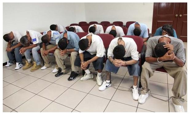 Envían a juicio a 30 pandilleros por extorsión