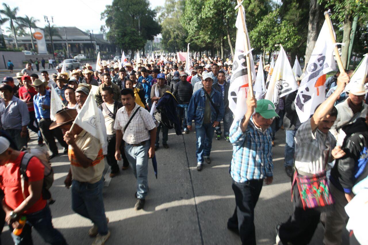 """Fotogalería: manifestantes piden renuncia y castigo para """"políticos corruptos"""""""