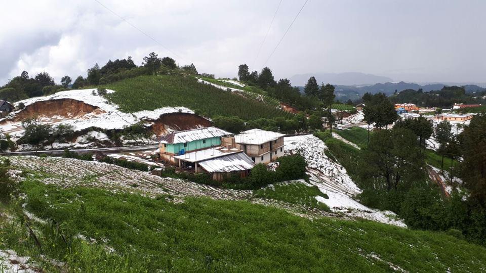 Conred: caída de granizo no deja daños en Quetzaltenango