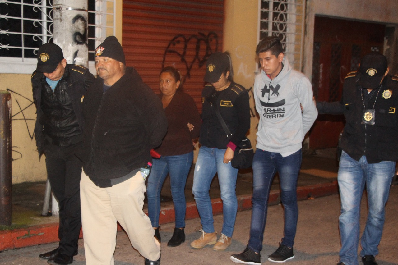 Capturan a tres por robo de medicamentos en Unaerc