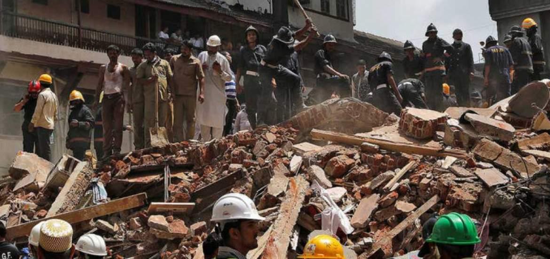 Al menos 33 muertos en derrumbe de un edificio en Bombay