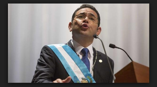 El presidente Jimmy Morales recuerda su etapa de vendedor informal