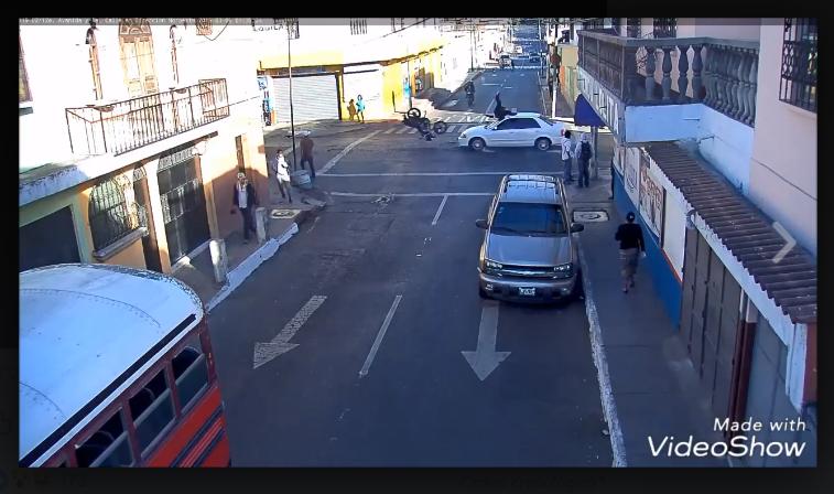 MuniGuate: atropellan a motorista que transitaba contra la vía