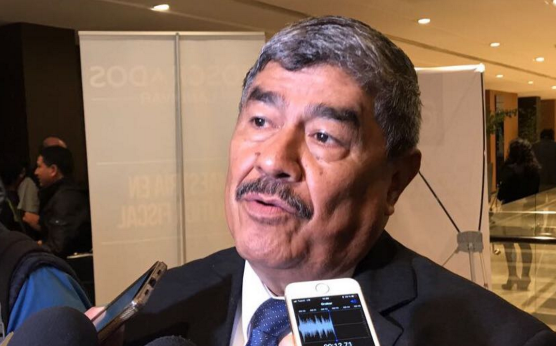 Contraloría denunciará a ministro de la Defensa