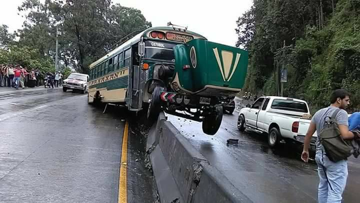 Piloto de bus accidentado en Villalobos tiene 13 multas por exceso de velocidad