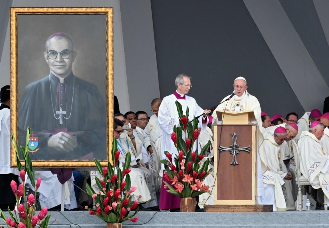 El papa beatifica a dos religiosos asesinados en conflicto en Colombia