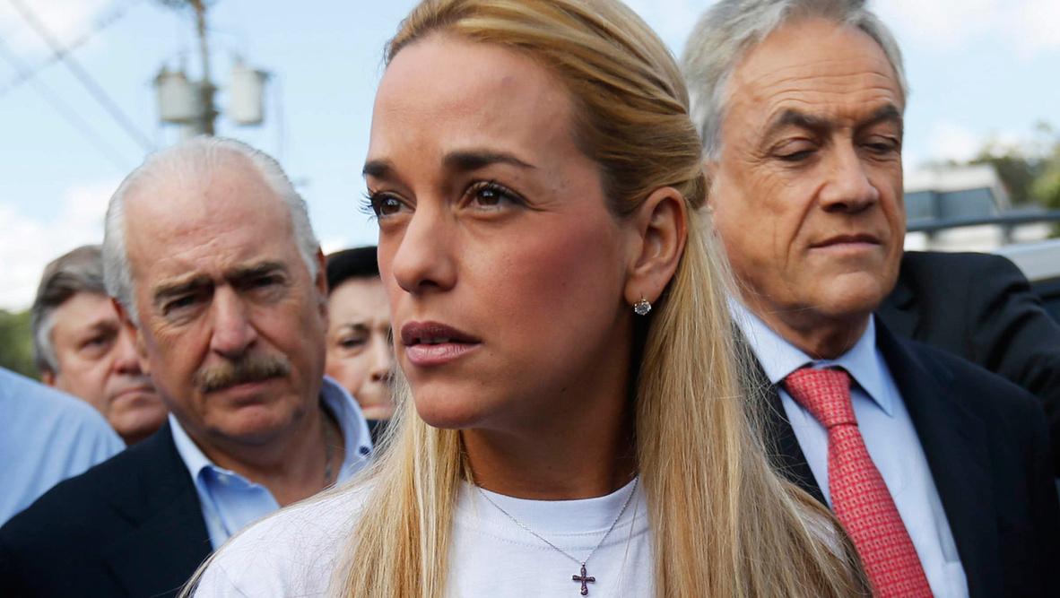Esposa de Leopoldo López denuncia que gobierno le prohibió salir de Venezuela