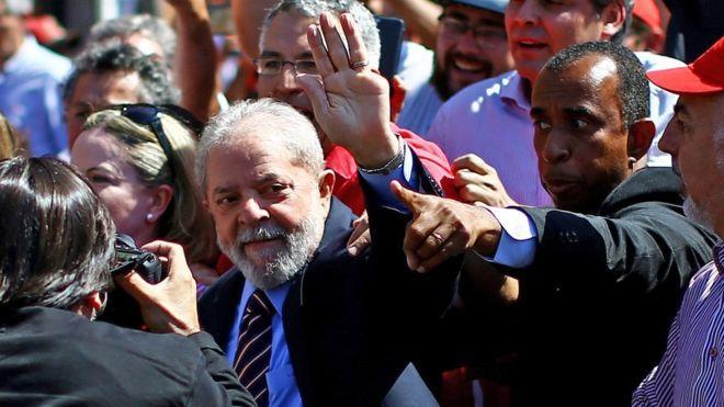 """Lula denuncia """"caza de brujas"""" en nueva comparecencia ante el juez Moro"""
