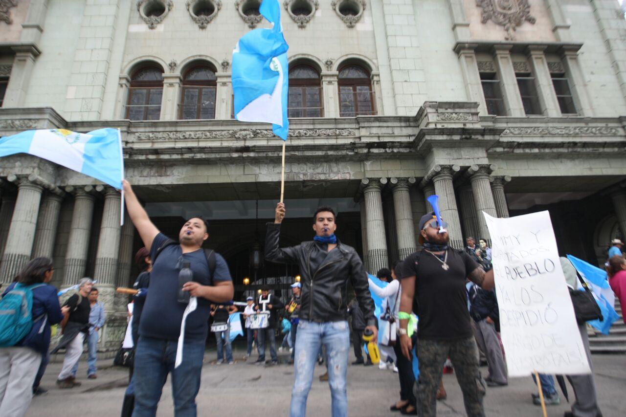 FOTOGALERÍA: manifestantes contra la impunidad acuden de nuevo a la Plaza