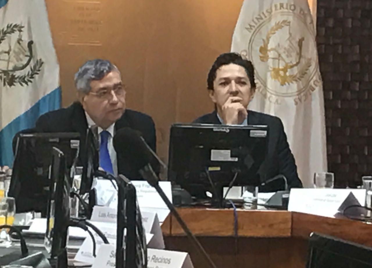 Jafeth Cabrera opinión bono al Presidente