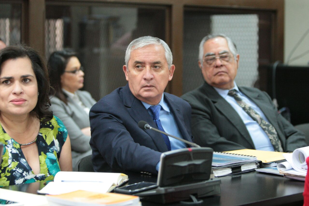 """Caso La Línea: """"En etapa intermedia, el juez evalúa no valora"""", dice defensa de Pérez Molina"""