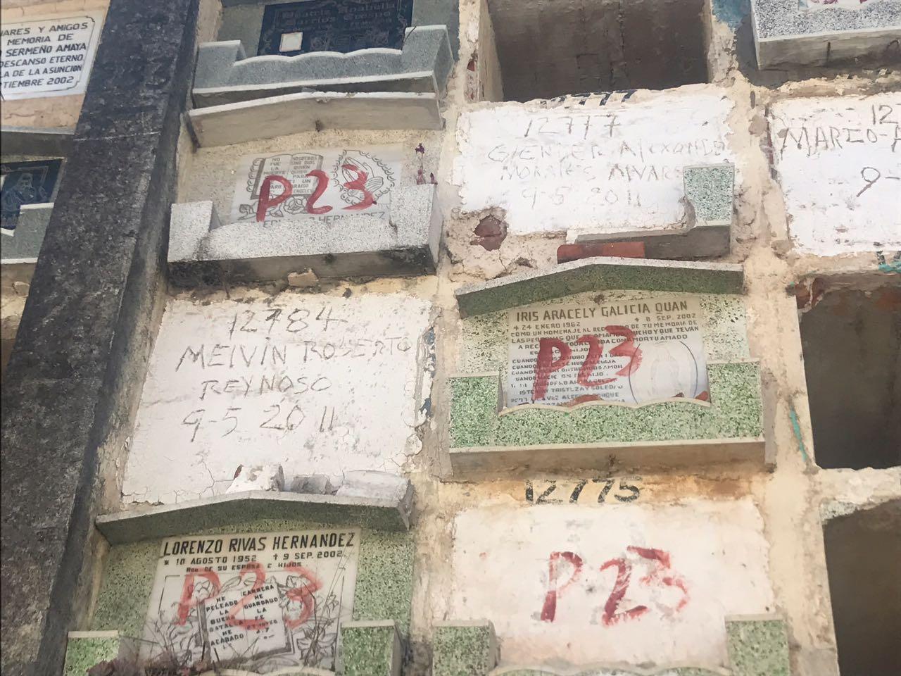 Exhumaciones en panteones por falta de pago
