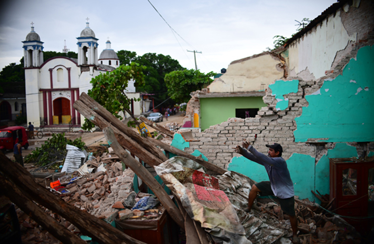 A un mes del sismo, mexicanos luchan contra la tristeza y la pérdida