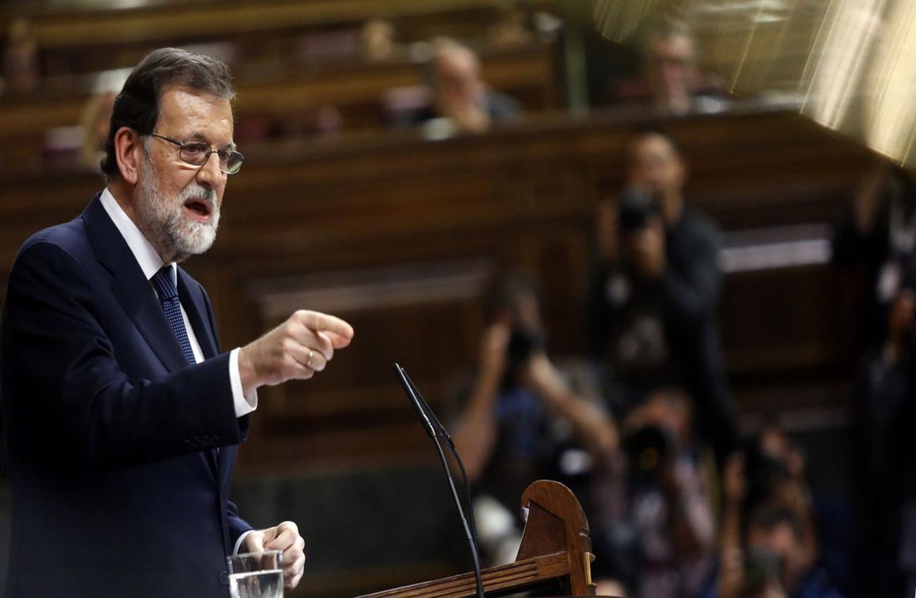 Gobierno español pide claridad a Puigdemont y le da hasta el jueves para rectificar