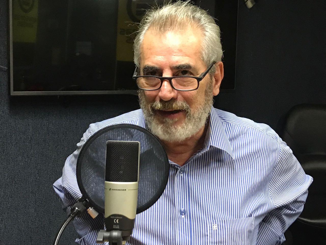 """Luis Aceituno: """"A Fidel Castro y Ché Guevara les da vida la revolución cubana"""""""