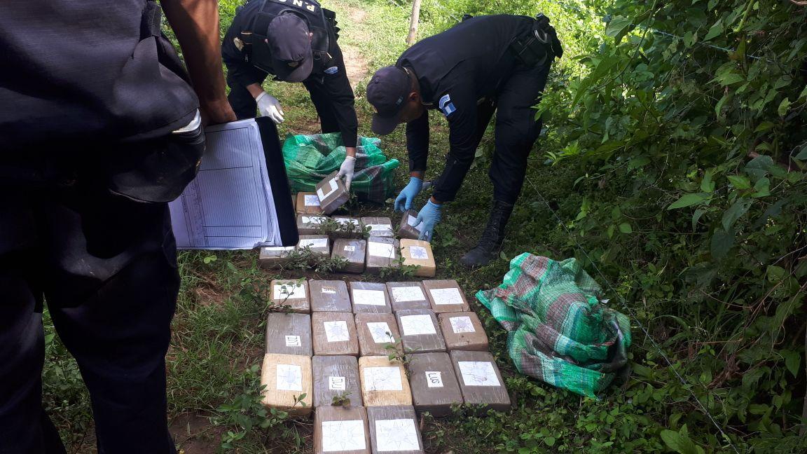 Más droga cerca de narcoavioneta