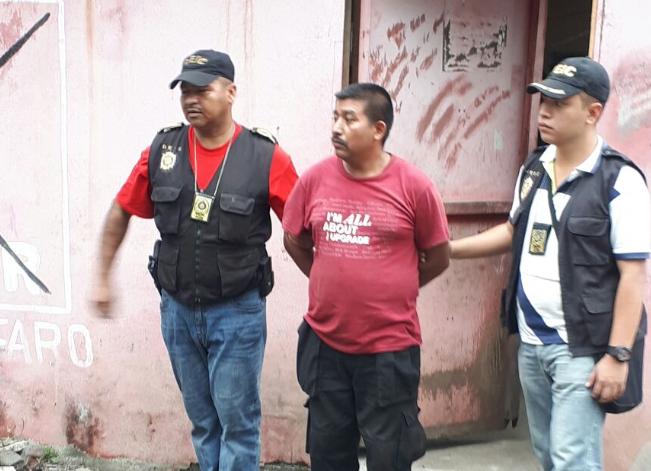Hombre detenido por asesinar a conviviente e hijastra