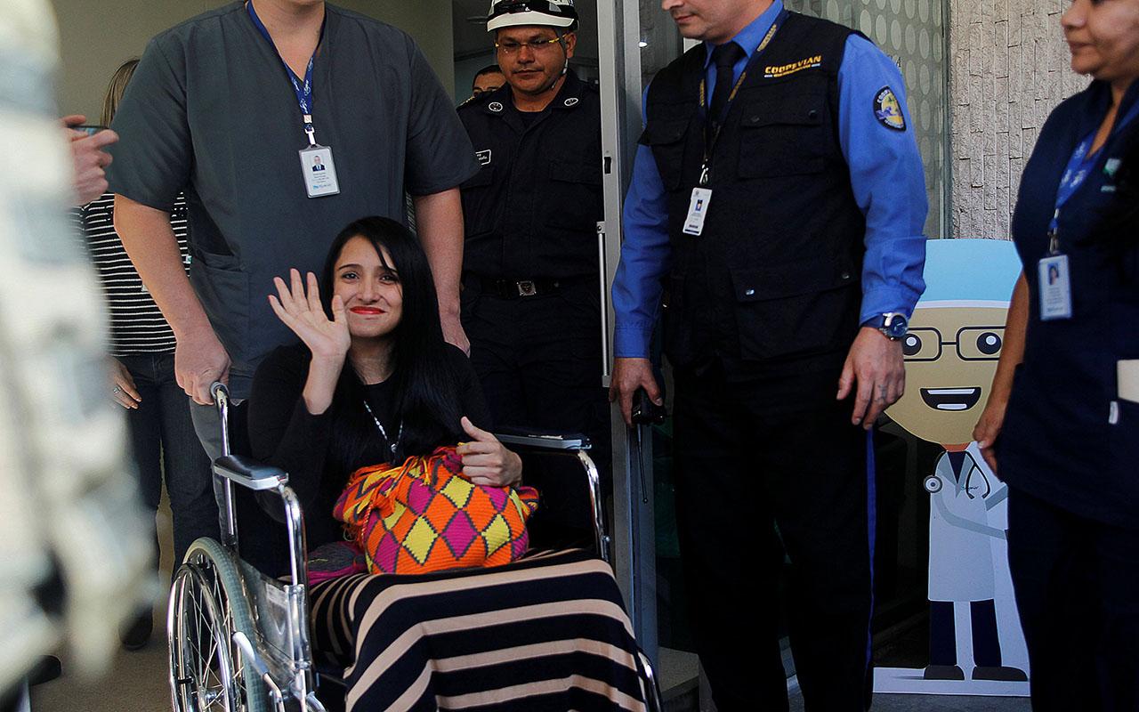 """Azafata sobreviviente de avión de Chapecoense se siente """"un milagro de Dios"""""""