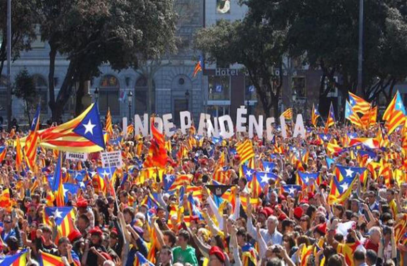 """Bruselas alerta del """"riesgo"""" para economía en España de crisis en Cataluña"""