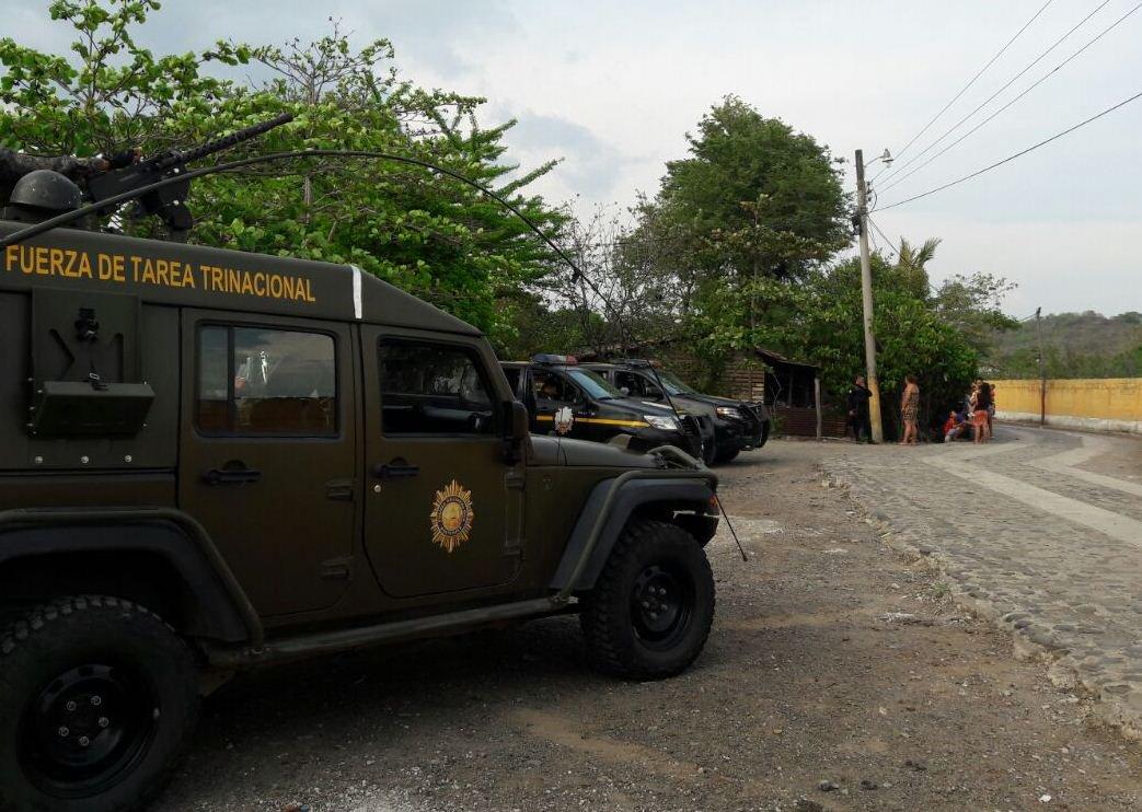 Policías y soldados heridos tras accidente
