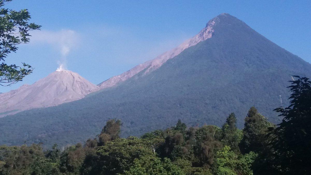 Volcán Santiaguito registra descenso de flujos piroclásticos