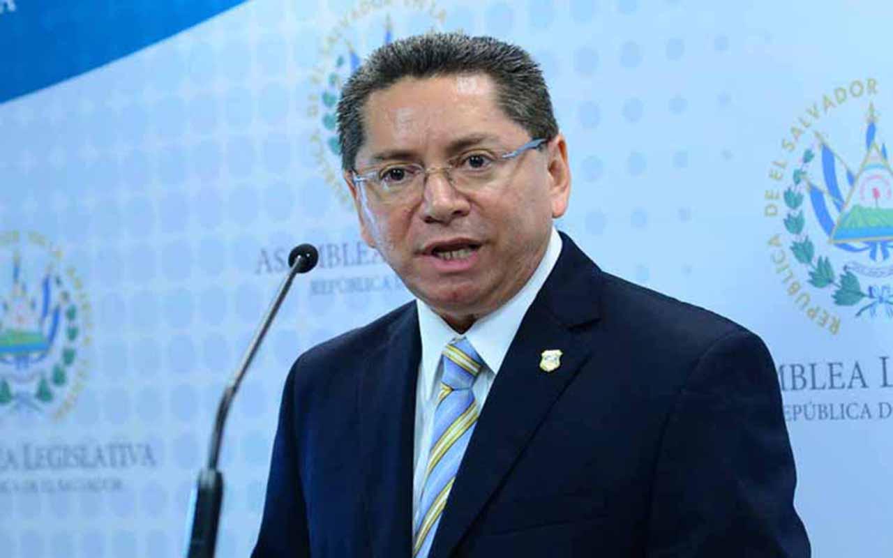 "El fiscal salvadoreño celebra ""histórica"" condena contra expresidente Funes"