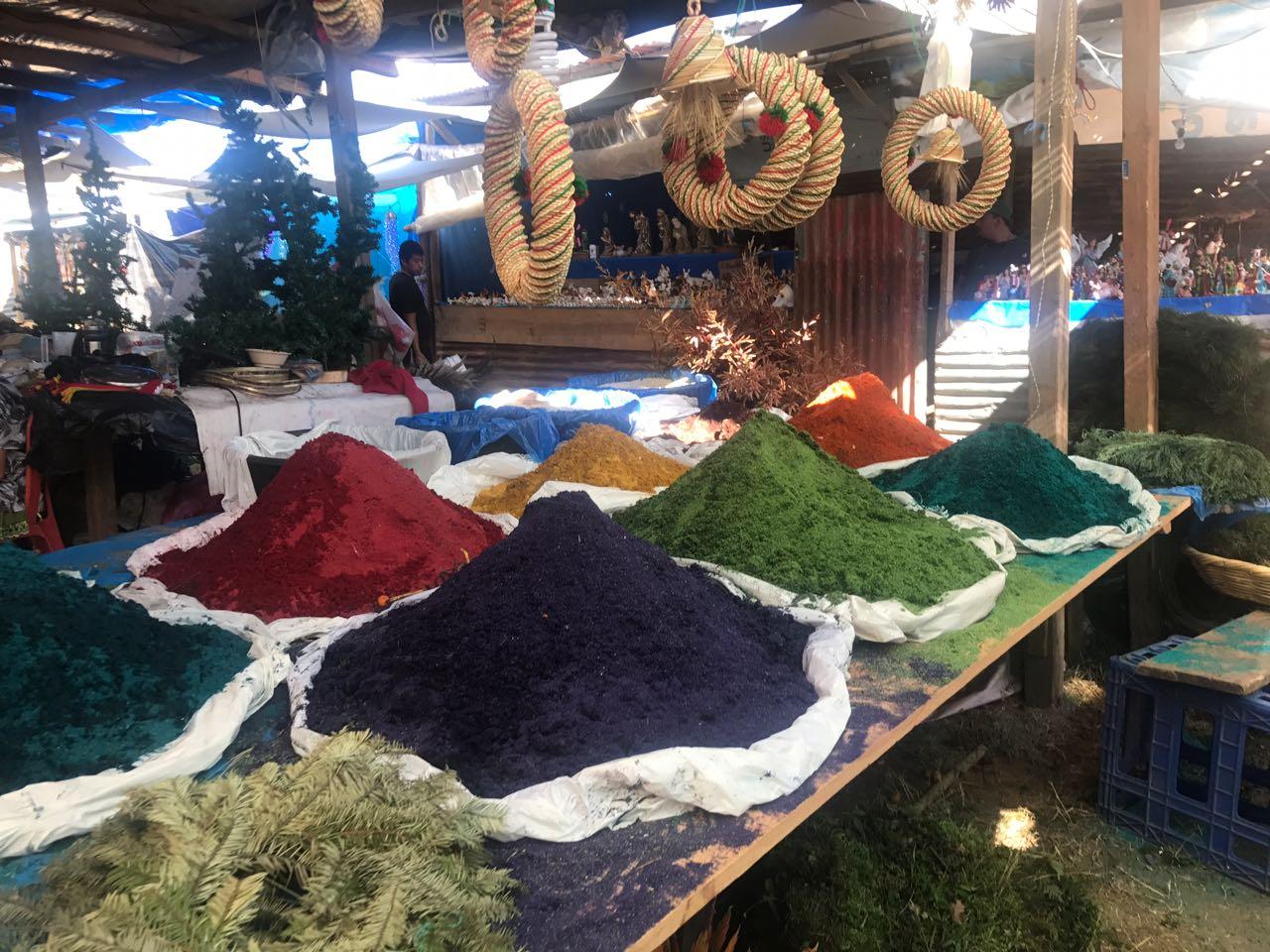 Venta de productos navideños EU Emisoras Unidas Guatemala