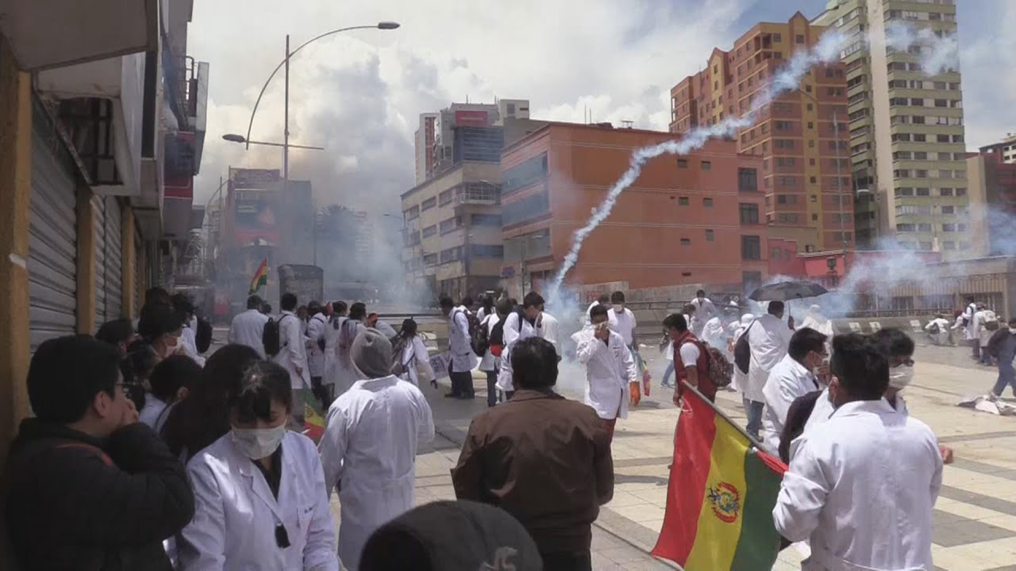 """El gobierno boliviano pide a médicos que suspendan la huelga """"por un tema humanitario"""""""
