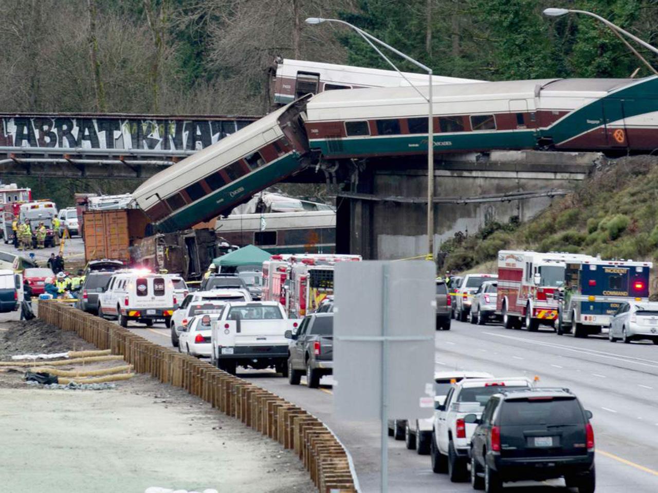 El tren que descarriló en EEUU iba a más del doble de la velocidad permitida