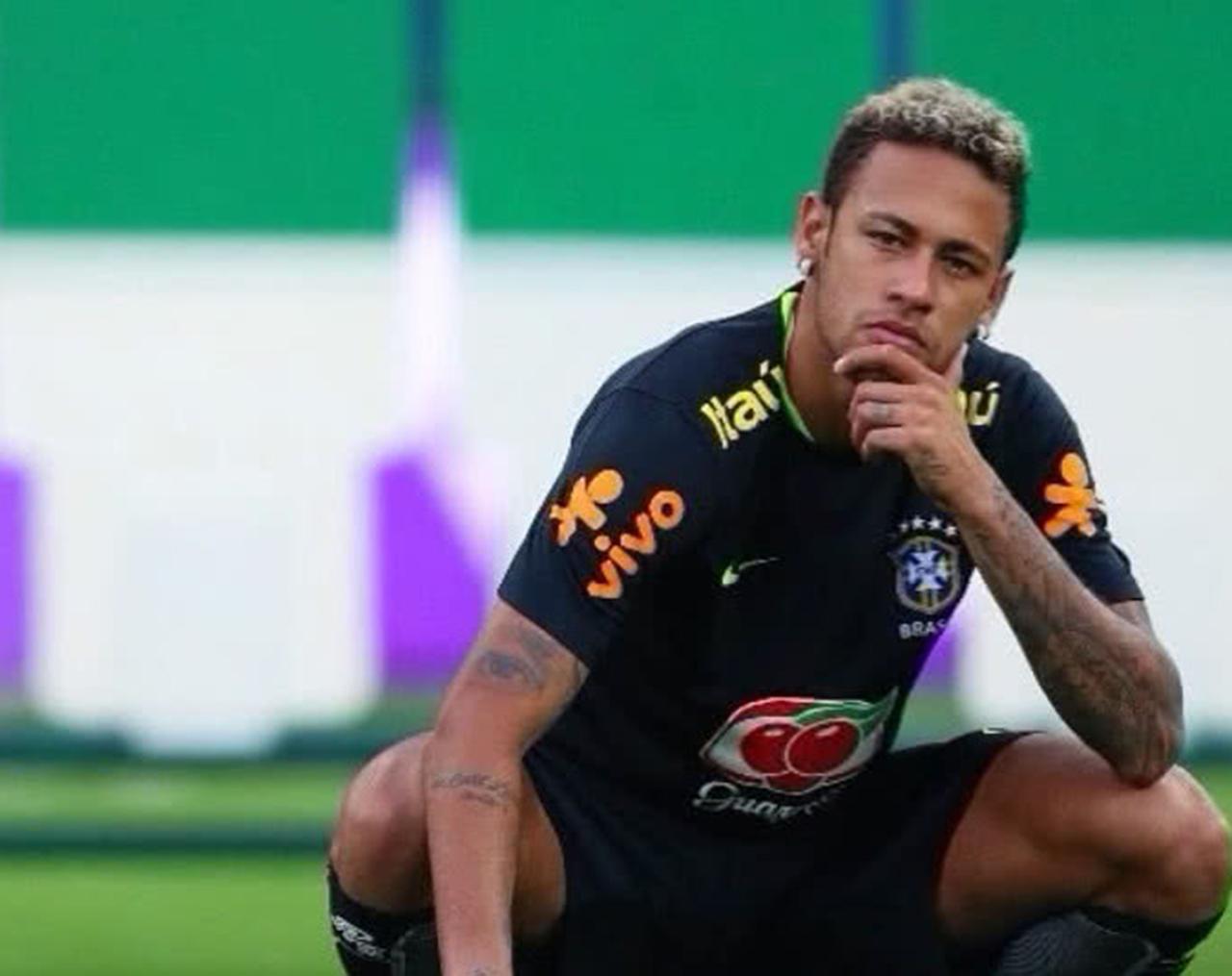 Neymar viajó de urgencia a Brasil por asuntos personales